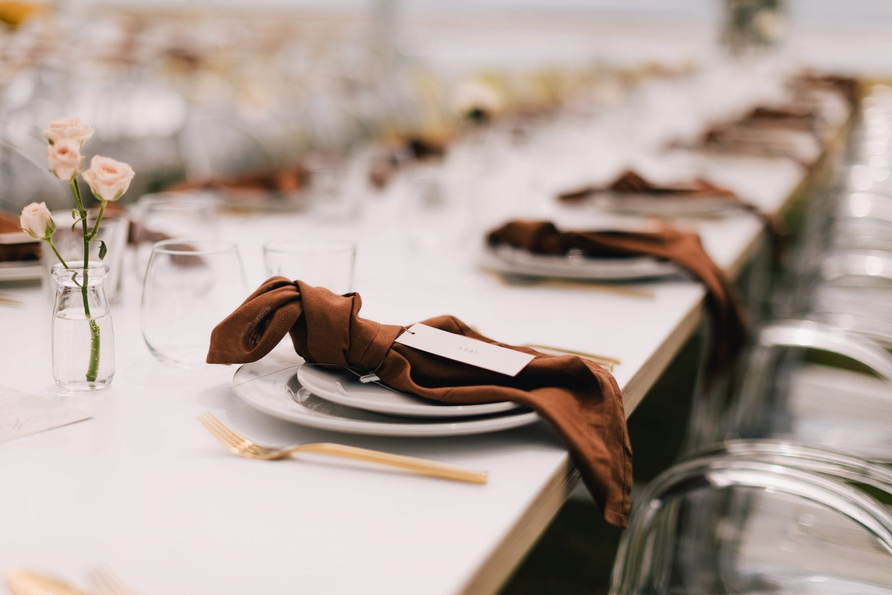 On My Hand Tauranga wedding florist - fresh and dried meets modern - table styling