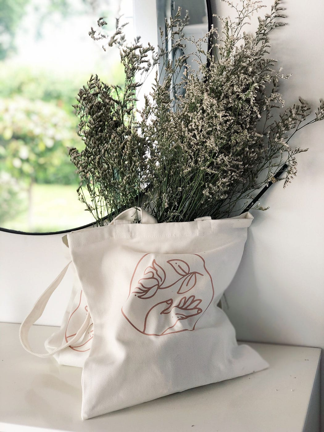 On My Hand Products for Home - Tote Bag filled with lavendar